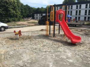 Zandbak met klimtoestel met glijbaan en pony wip - Wip en veerelementen - Speeltoestellen - LuduQ speeltoestellen