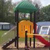Speelhuisje met glijbaan op camping - Klimtoestellen met glijbaan - Speeltoestellen - LuduQ speeltoestellen