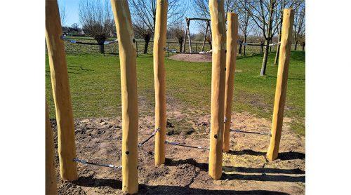 Houten pilaren met balanceer touwen - Robinia houten speeltoestellen - LuduQ speeltoestellen