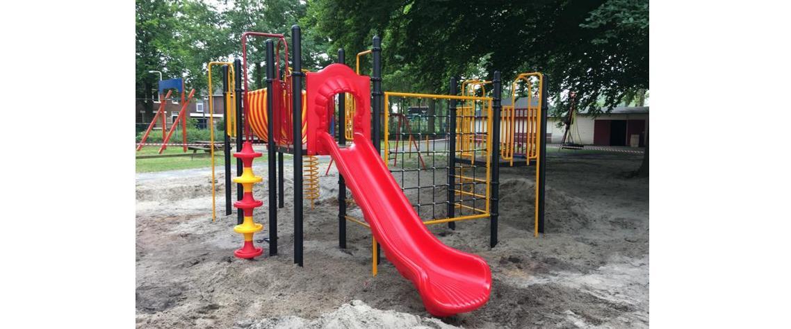 Oude speeltoestellen in Enschede vervangen