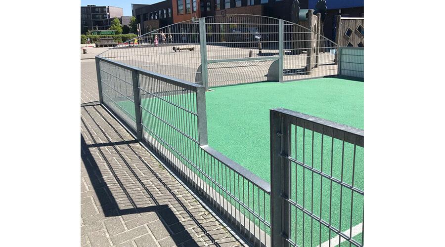 Voetbalkooi zijkant op schoolplein - Balsporten - Speeltoestellen - LuduQ speeltoestellen