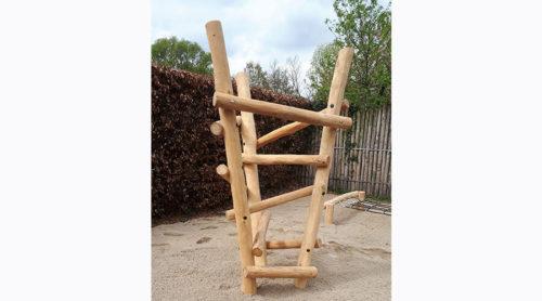 Hoog houten klimtoestel van robinia hout - Houten klimtoestel - Robinia houten speeltoestellen - LuduQ speeltoestellen