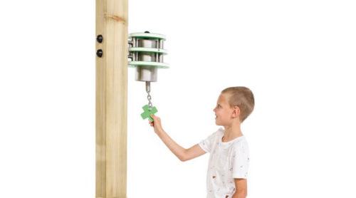 Kind trekt aan bel - toestel accessoires - onderdelen - LuduQ speeltoestellen